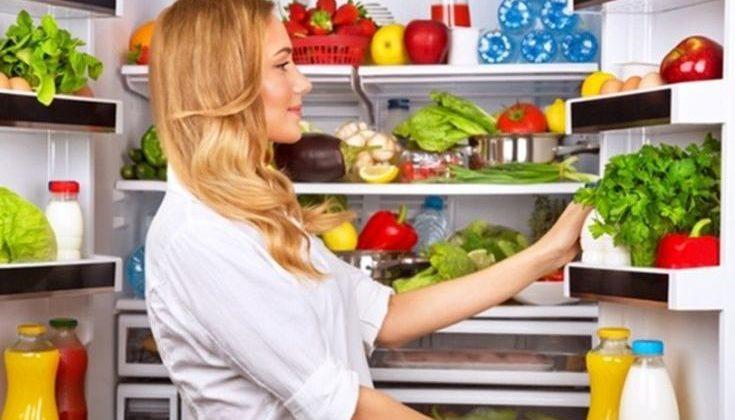 Τα πιο συνηθισμένα λάθη που κάνουμε στη συντήρηση των τροφίμων στο ψυγείο
