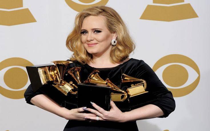 Το αδιανόητο ποσό που κέρδισε η Adele το 2017 χωρίς να δουλέψει ούτε λεπτό