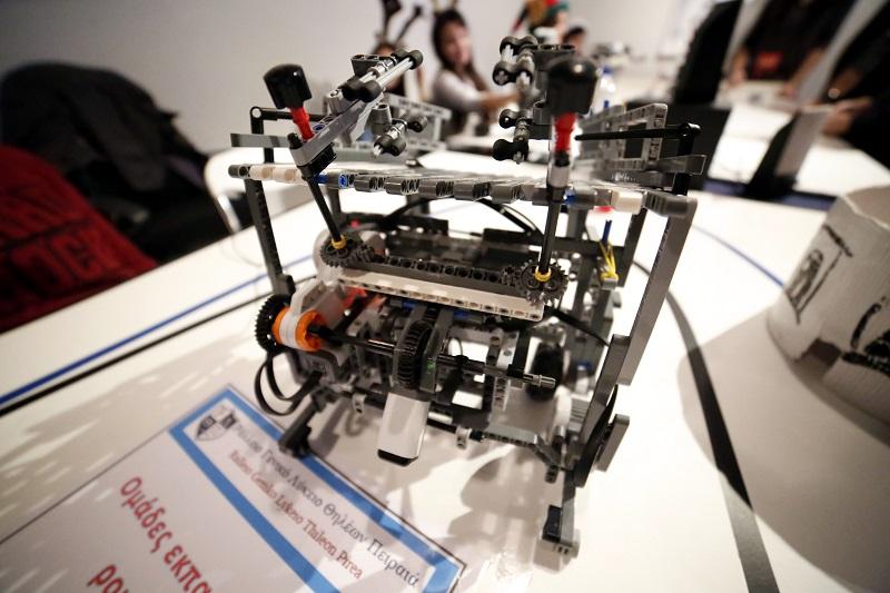 Εκατοντάδες συμμετοχές μαθητών στον Πανελλήνιο Διαγωνισμό Ρομποτικής