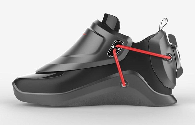 Τα φουτουριστικά παπούτσια που δένονται μόνα τους