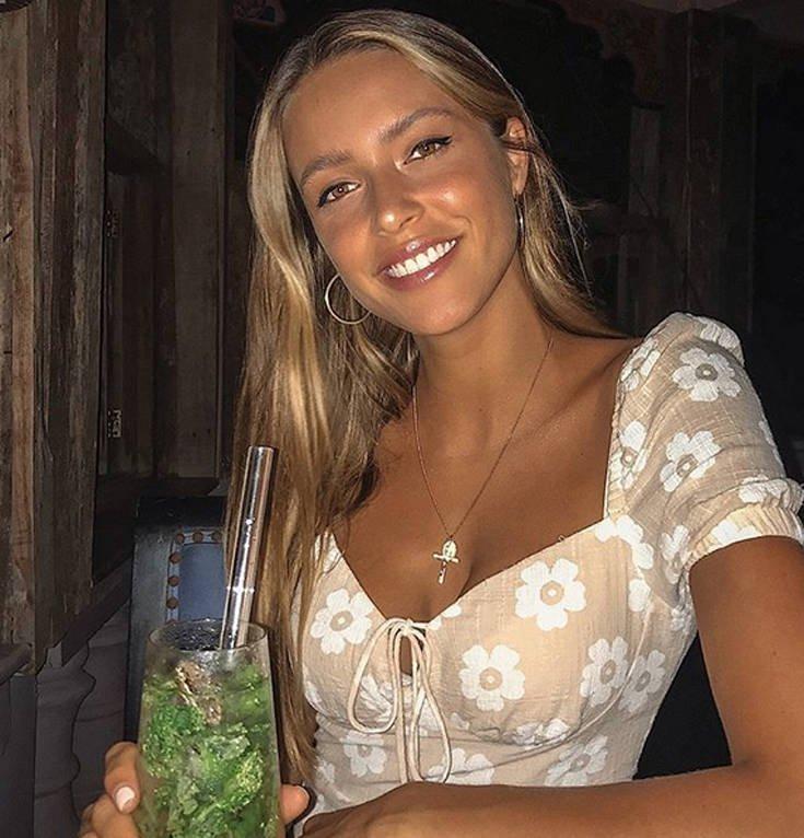 Η Casey James είναι γλυκιά και σέξι