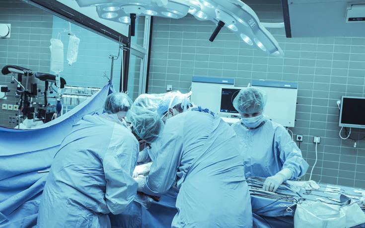 Ανδροκρατούμενο περιβάλλον τα χειρουργεία, σύμφωνα με νέα έρευνα