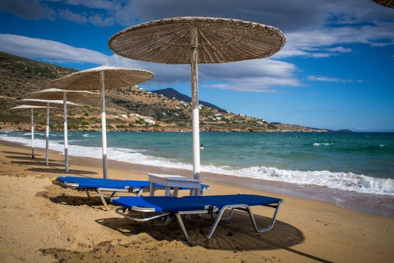 Εφαρμογή για κράτηση ομπρέλας και ξαπλώστρας στην παραλία