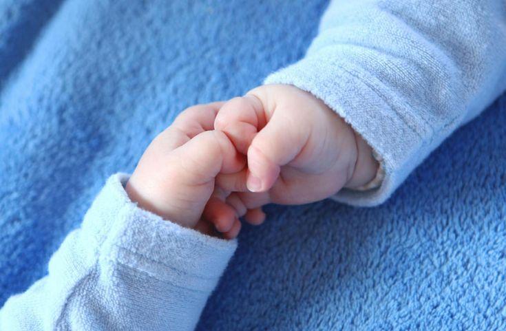 Ένα αγοράκι γεννήθηκε δύο μήνες μετά τον… δίδυμο αδελφό του