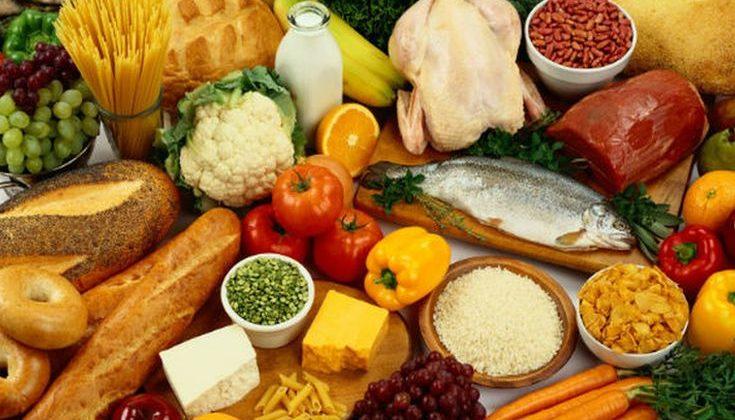Τέσσερις τροφές που αλλάζουν τη μυρωδιά του σώματος προς το χειρότερο