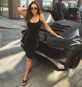 H καυτή Ρωσίδα με τη Lamborghini των 2 εκατ. Swarovski