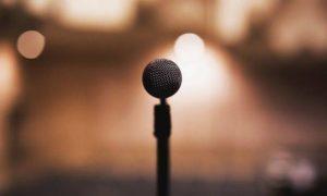 Θρήνος για διάσημη τραγουδίστρια-Πέθανε η μητέρα της