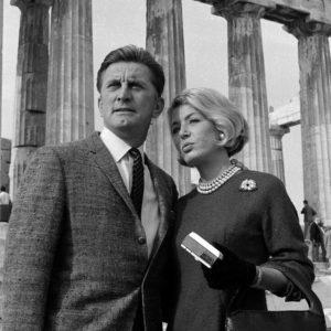 Ο Έλληνας φωτογράφος που απαθανάτισε τον Κερκ Ντάγκλας στην Ακρόπολη πριν από 55 χρόνια