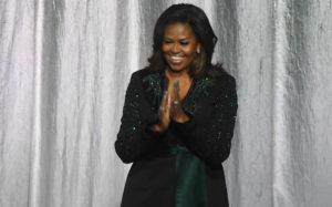 Η Μισέλ Ομπάμα διαβάζει διαδικτυακά βιβλία σε παιδιά