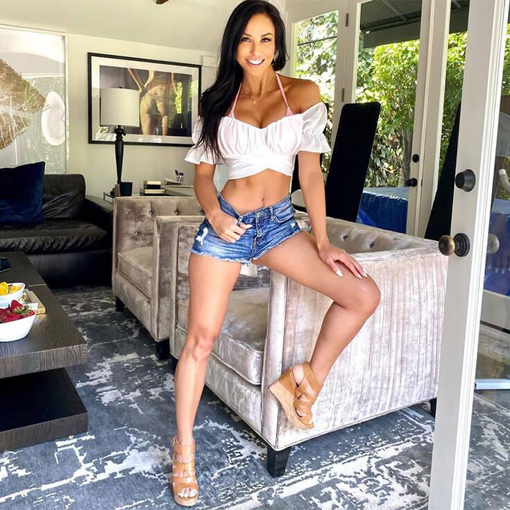 Η Melissa Riso σε καυτές πόζες